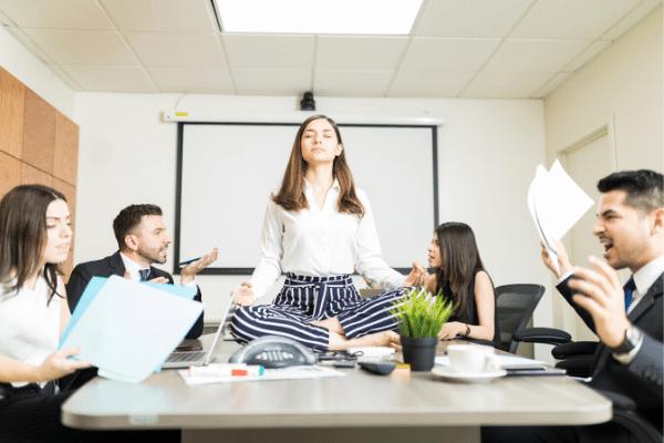 הרגעת התקף חרדה בעבודה